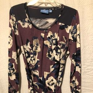 TOP BY SIMPLY VEREA WANG SIZE L